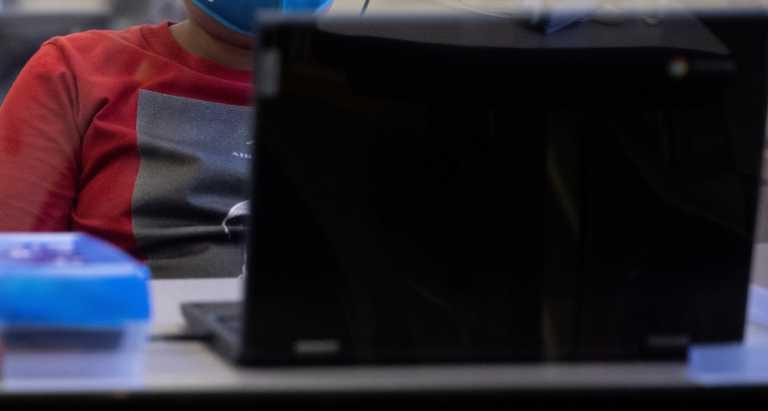 «Τέρατα» στους υπολογιστές τους – Συλλήψεις στην Αθήνα για πορνογραφία ανηλίκων