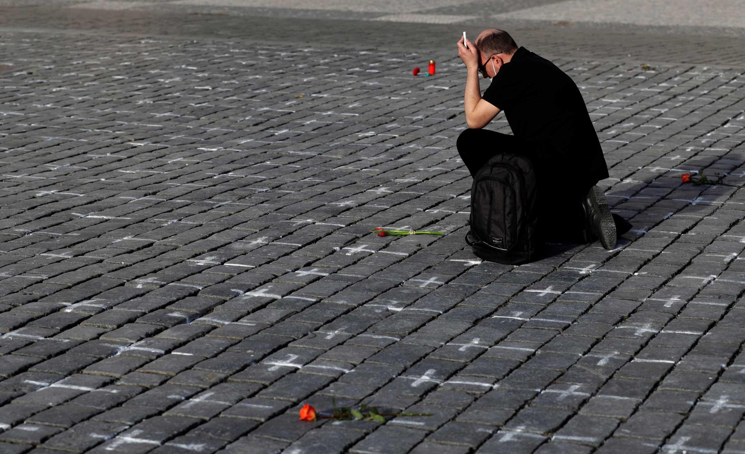 Εφιαλτικό σενάριο στην Γερμανία για 100.000 κρούσματα την ημέρα