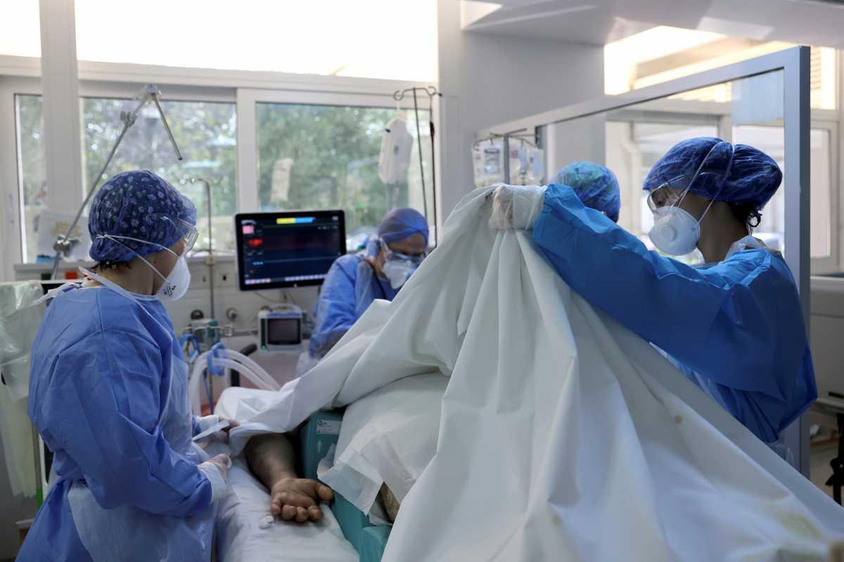 Κορονοϊός – Έρευνα: Το 2% των ασθενών στις ΜΕΘ παθαίνουν εγκεφαλικό