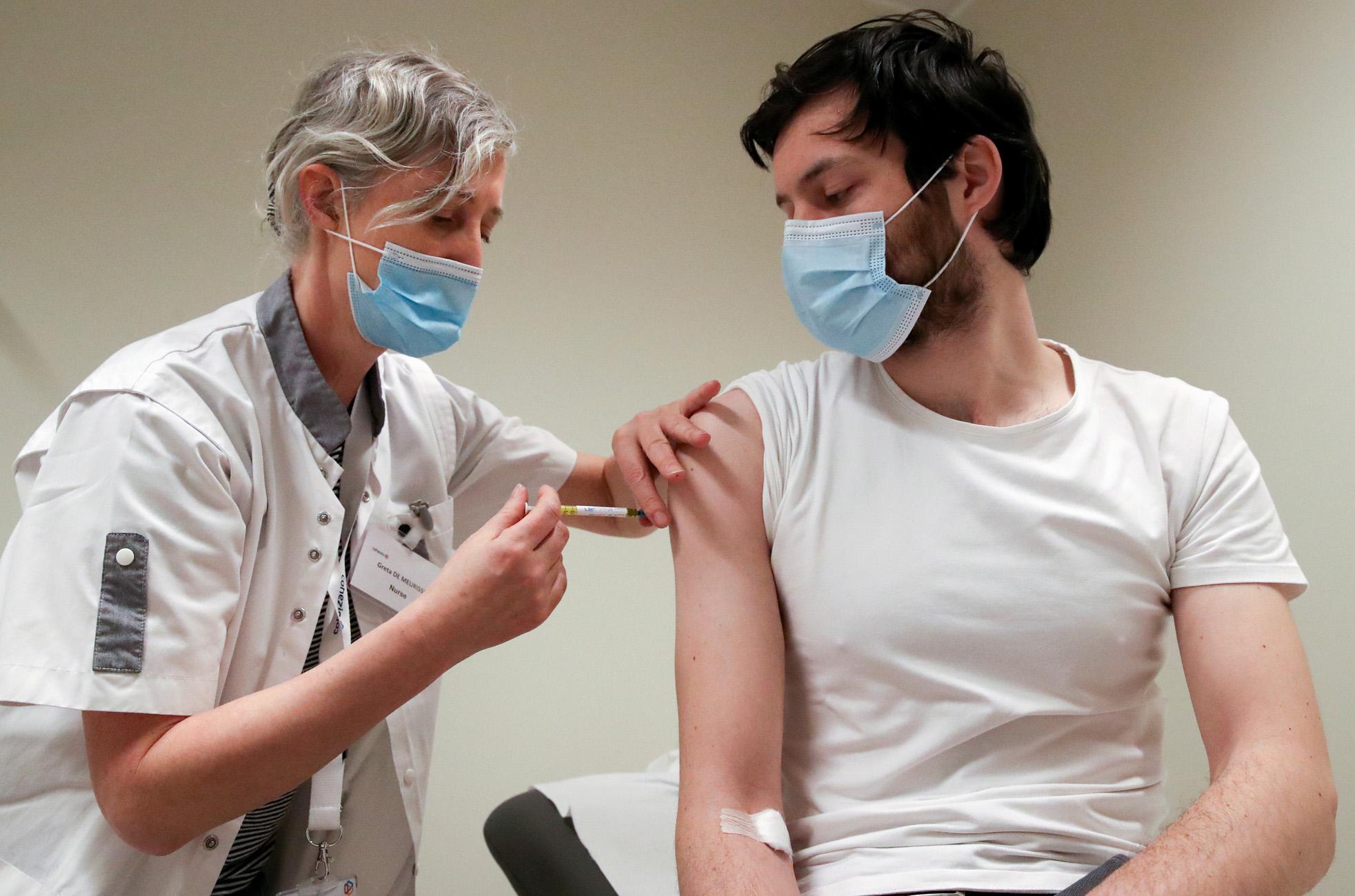Κορονοϊός: Το Ιούνιο στην αγορά το εμβόλιο της CureVac