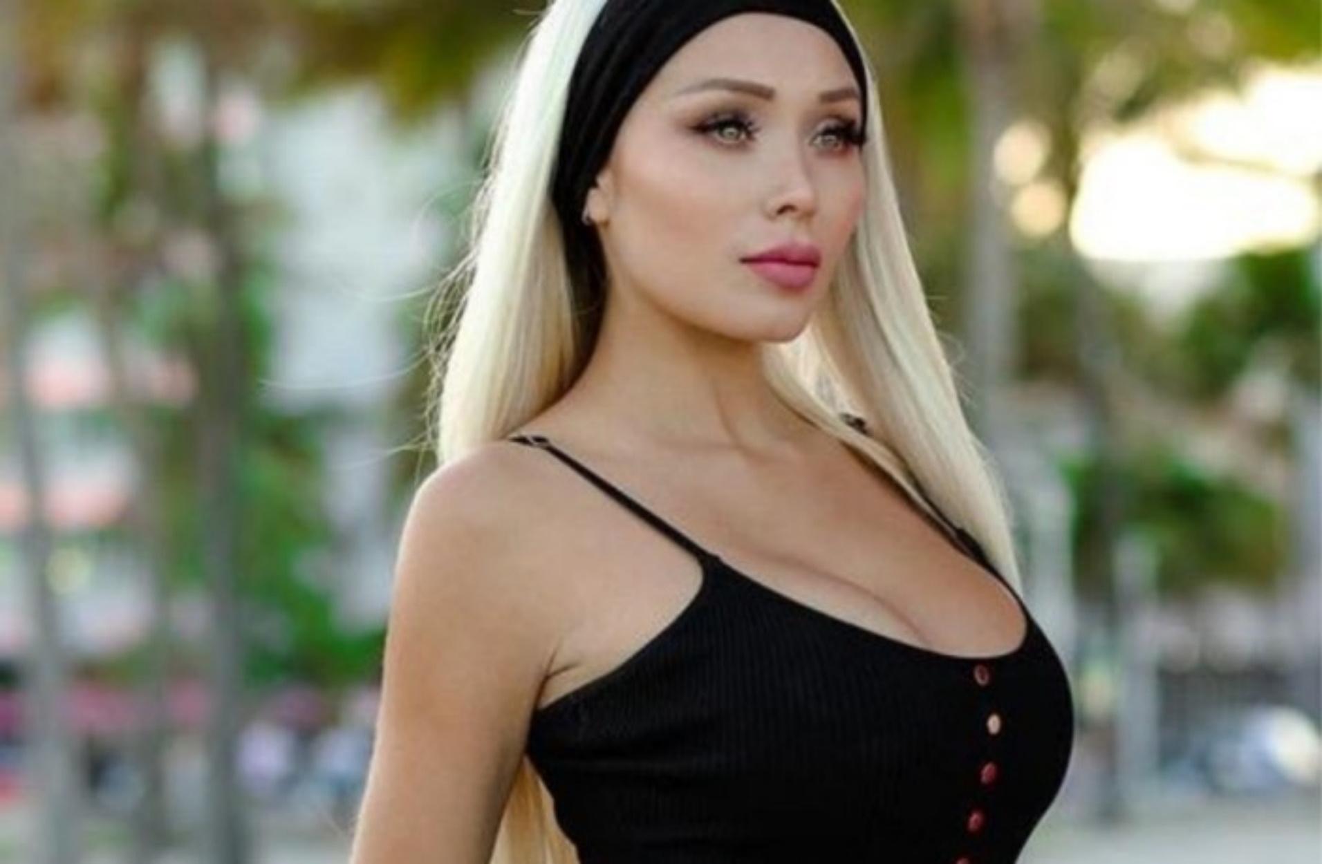 """Το μοντέλο του Playboy που """"προσκυνούν"""" 13 εκατ. ακόλουθοι στο Instagram"""
