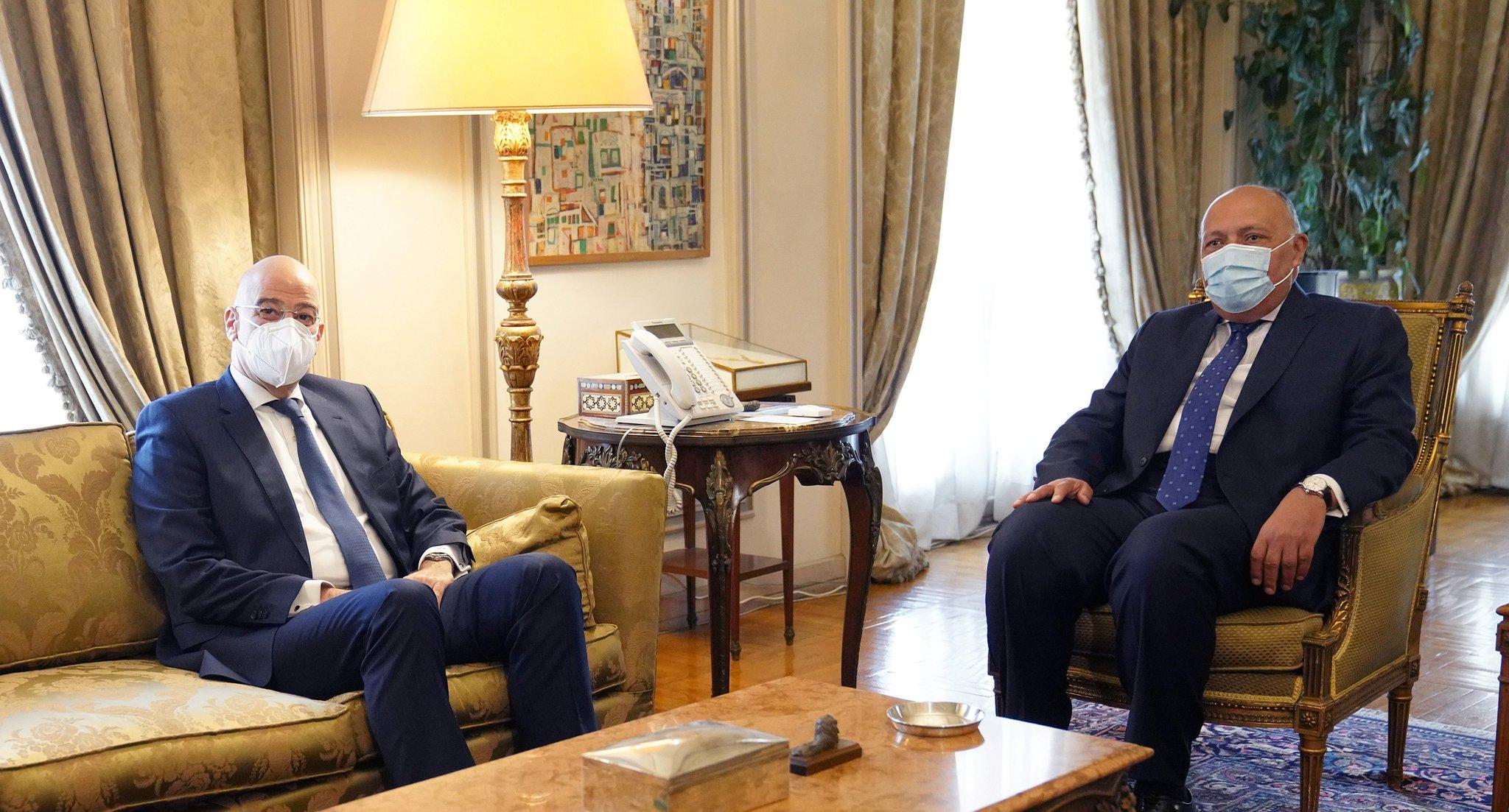 Συνάντηση Δένδια – Σούκρι στο Κάιρο: Δεν υπάρχει συζήτηση για οριοθέτηση ΑΟΖ μεταξύ Αιγύπτου και Τουρκίας