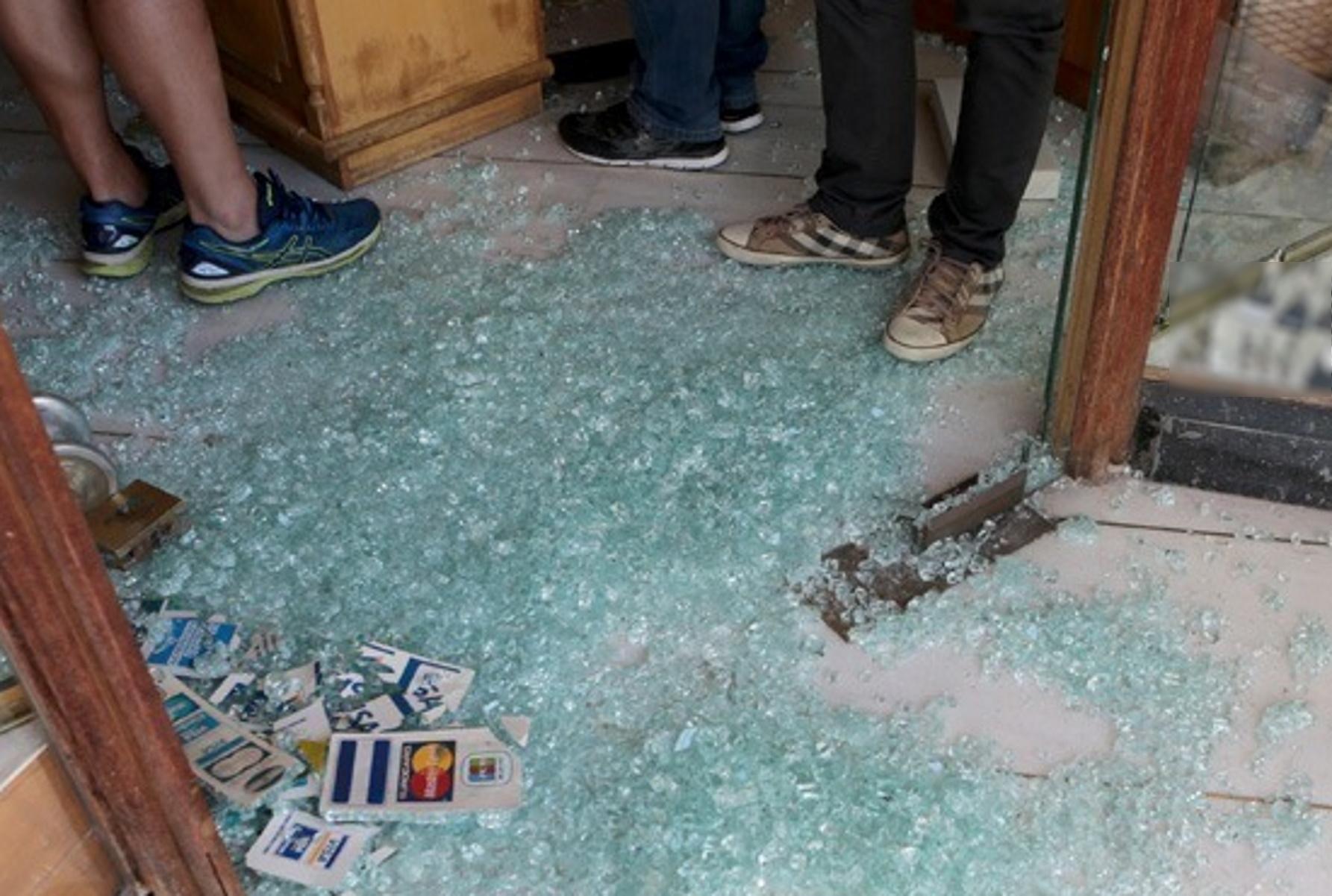 Φιλιππιάδα: Μπούκαρε σε καφετέρια και άρπαξε ολόκληρη την ταμειακή μηχανή