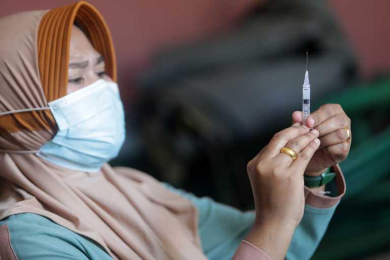 «Καμπανάκι» για τη διφθερίτιδα: «Μπορεί να σηκώσει κεφάλι ξανά»