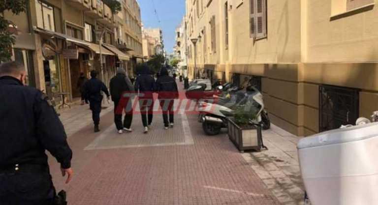 Πάτρα: Στον Εισαγγελέα οι 3 συλληφθέντες για το κορονοπάρτι στο εξοχικό στην Οβρυά (vid)