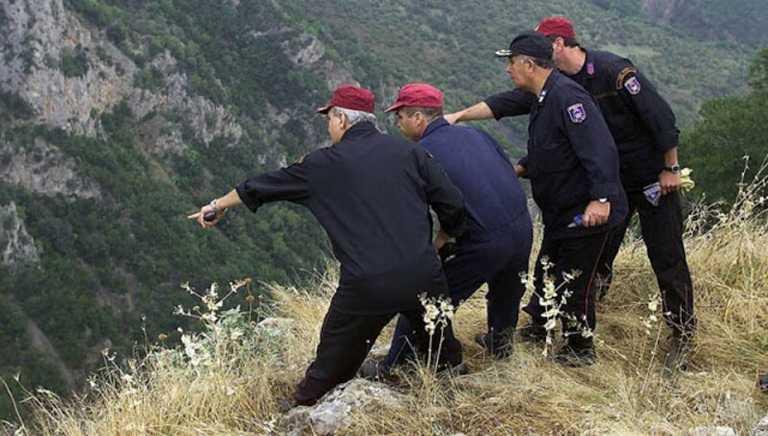 Μεγάλη επιχείρηση της ΕΜΑΚ στη Δήμαινα Αργολίδας για εγκλωβισμένα κατσίκια σε χαράδρα