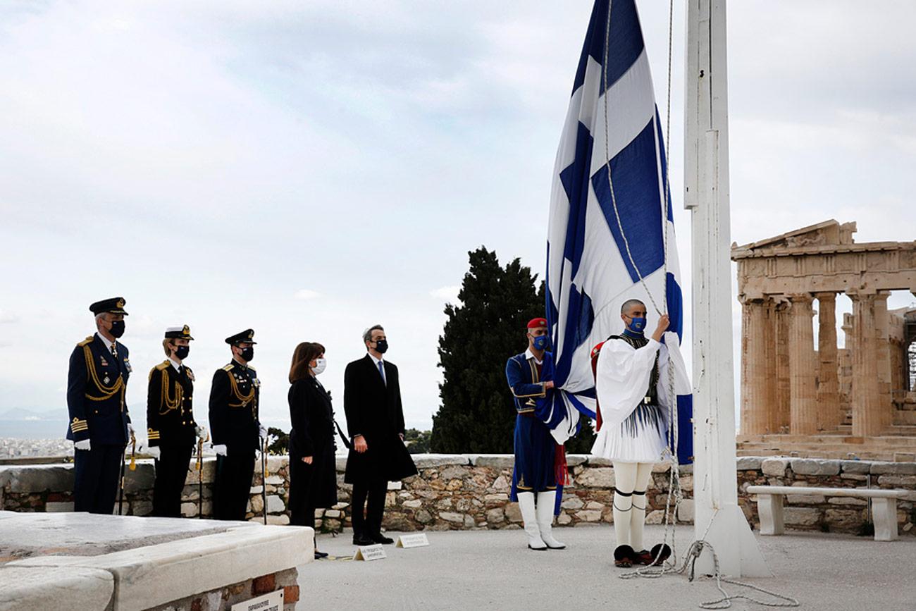 25η Μαρτίου: Η έπαρση της σημαίας στην Ακρόπολη