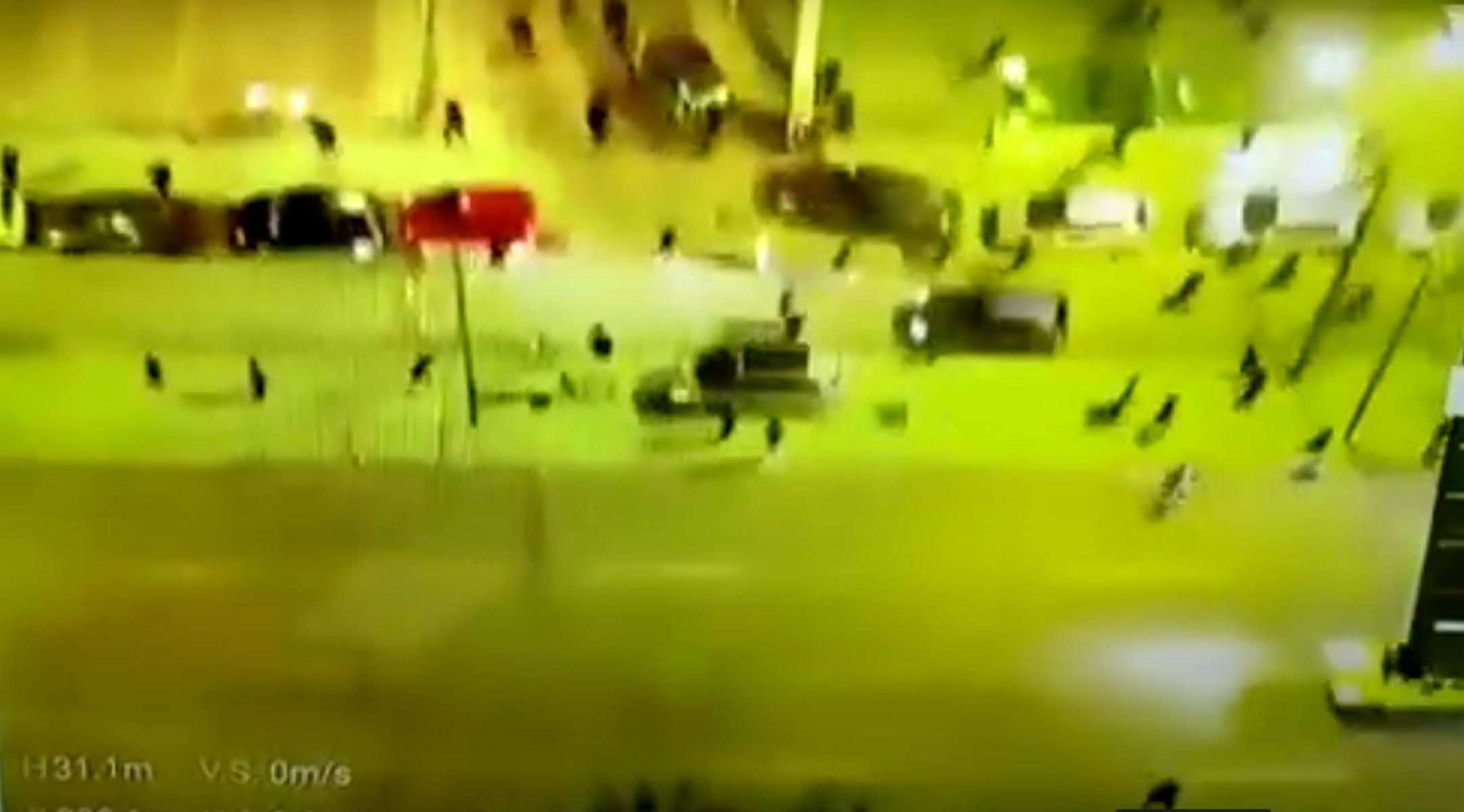 Νέα Σμύρνη: Μάχες και κυνηγητό – Τι κατέγραψε το drone της ΕΛΑΣ
