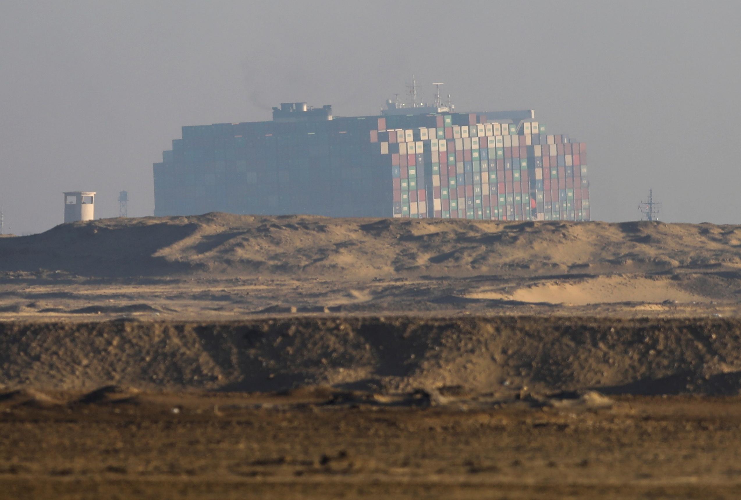 Διώρυγα του Σουέζ: Οι πρώτες εικόνες του «ελεύθερου» Ever Given