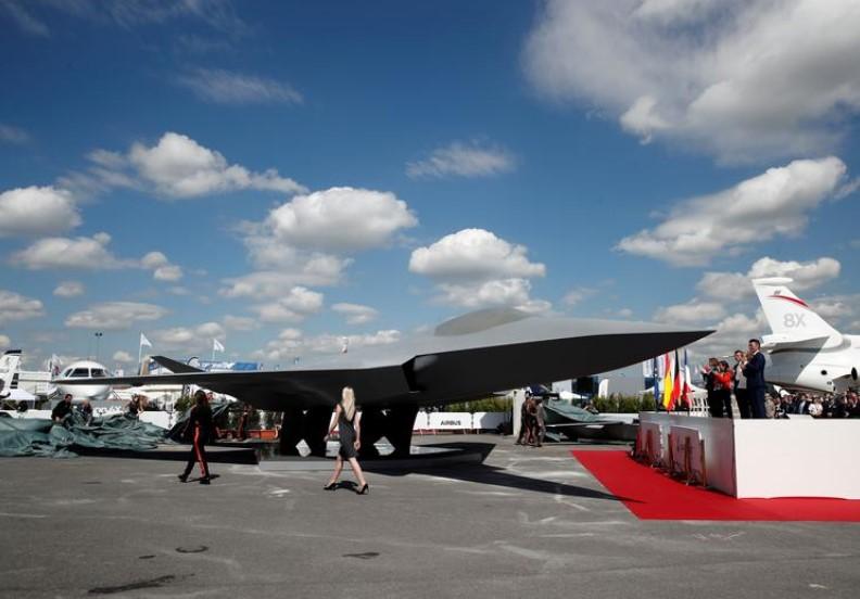 FCAS: Δυσοίωνο το μέλλον του ευρωπαϊκού stealth μαχητικού – Δεν τα «βρίσκουν» Γαλλία και Γερμανία