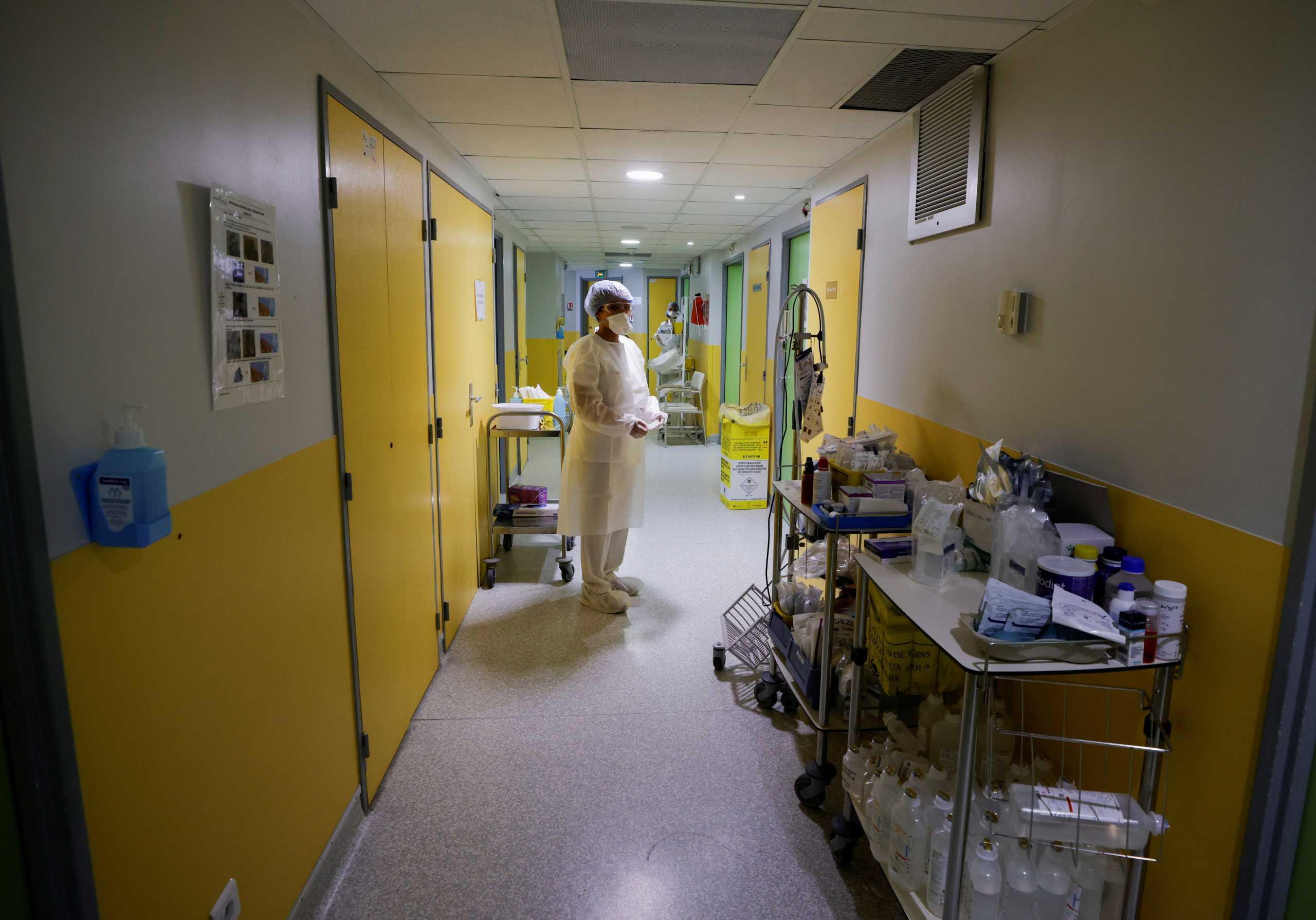 Δεν αστειεύονται οι Γάλλοι με την υποχρεωτικότητα – 3.000 αναστολές εργασίας υγειονομικών