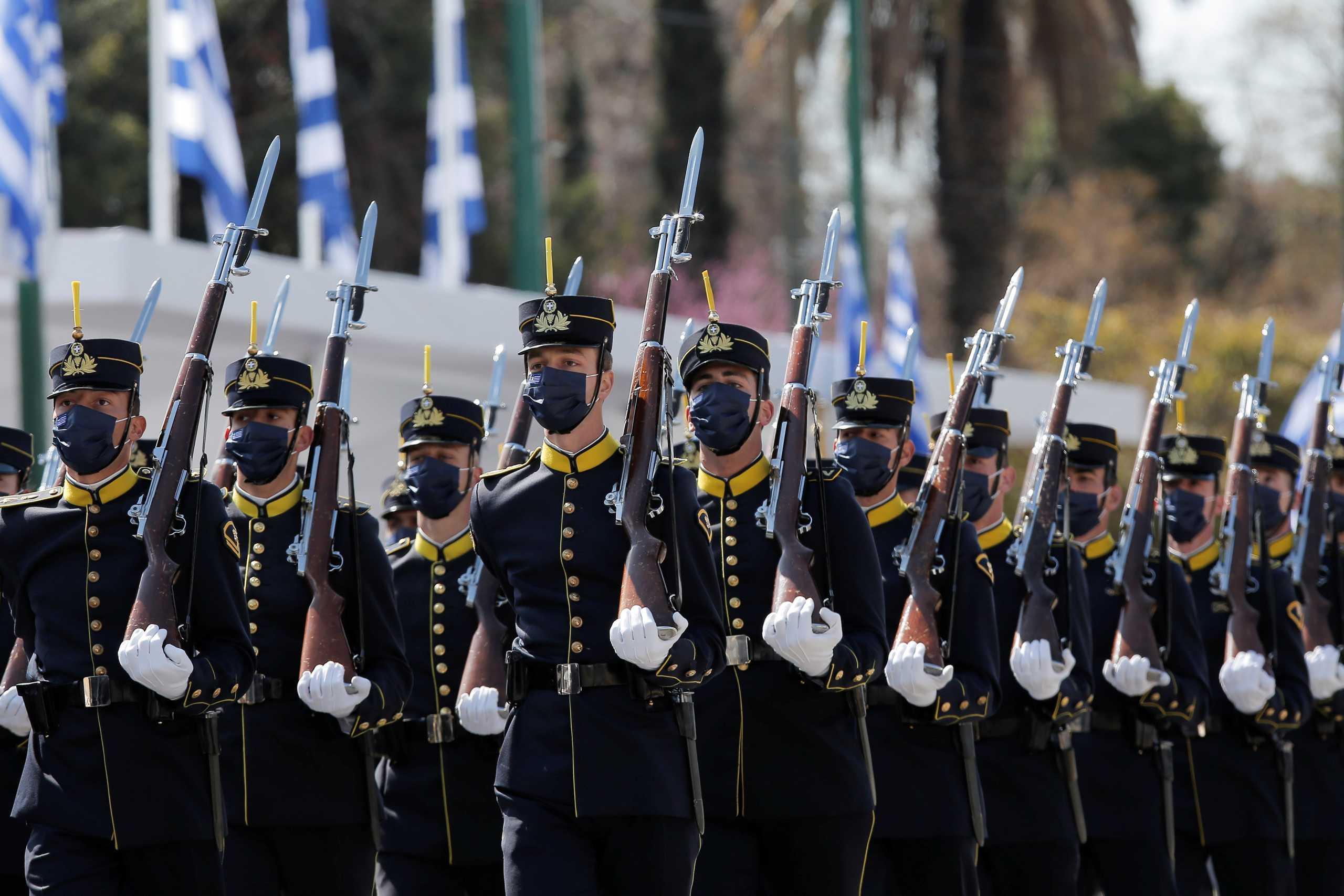 Παρέλαση 25ης Μαρτίου: Δέος και συγκίνηση (pics, video)