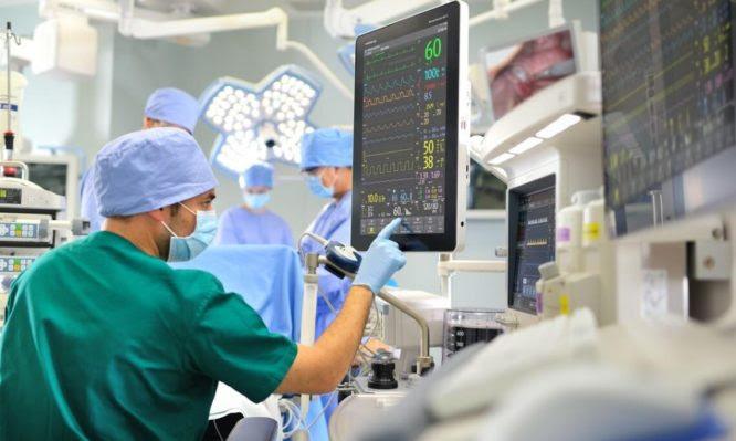 Κορονοϊός: Πώς γίνεται η διακομιδή non Covid ασθενών στα ιδιωτικά νοσοκομεία – Τι προβλέπει το μνημόνιο συνεργασίας με τον ΕΟΠΥΥ