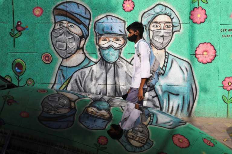 Σαρώνει ο κορονοϊός στην Ινδία: «Μαύρο» ρεκόρ με 145.000 κρούσματα και 794 νεκρούς
