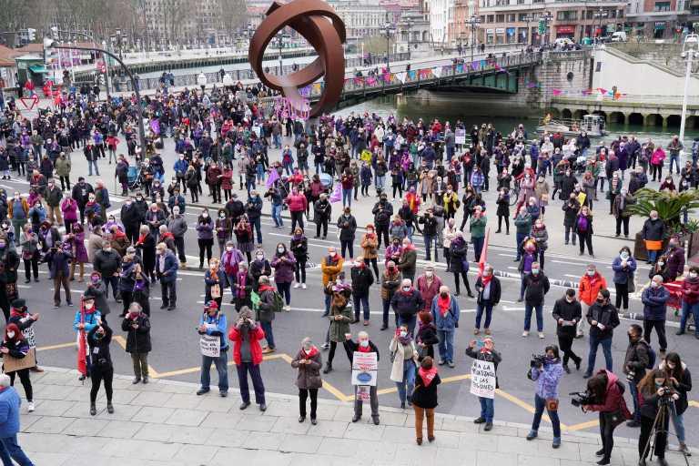 Διαδηλώσεις για τα δικαιώματα των γυναικών σε δεκάδες πόλεις της Ισπανίας