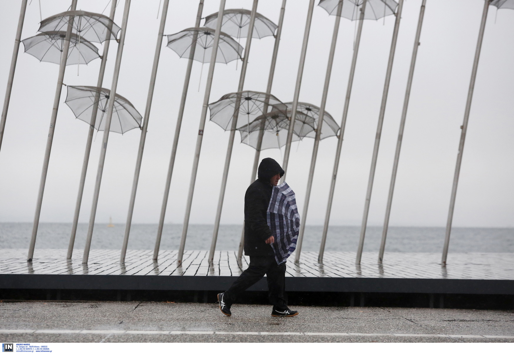 Καιρός αύριο: Επιδείνωση με βροχές και  «βουτιά» της θερμοκρασίας – Πού θα χιονίσει