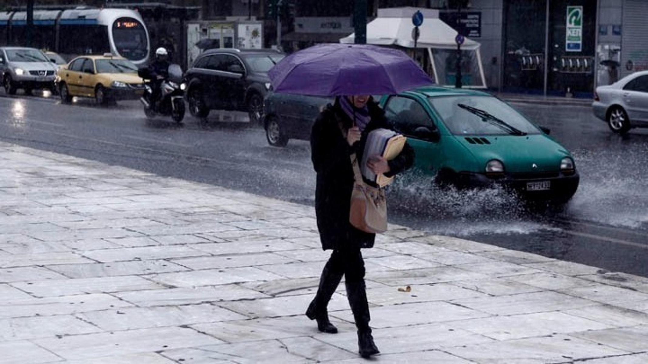 Καιρός αύριο: «Αγριεμένος» με βροχές και καταιγίδες  – Πού θα χιονίζει