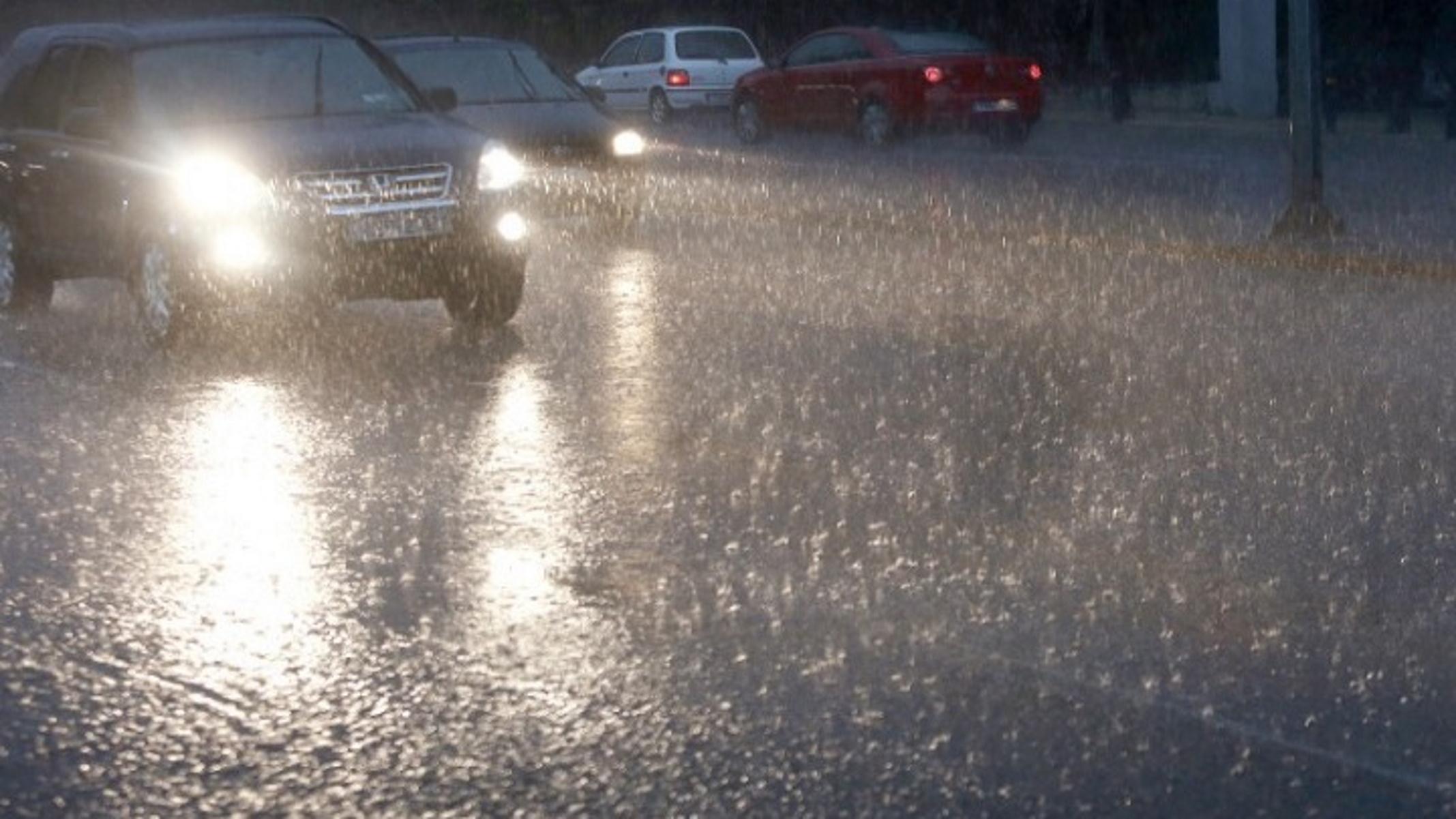 Καιρός αύριο: Έρχονται βροχές και καταιγίδες – Πού θα ανοίξουν οι ουρανοί