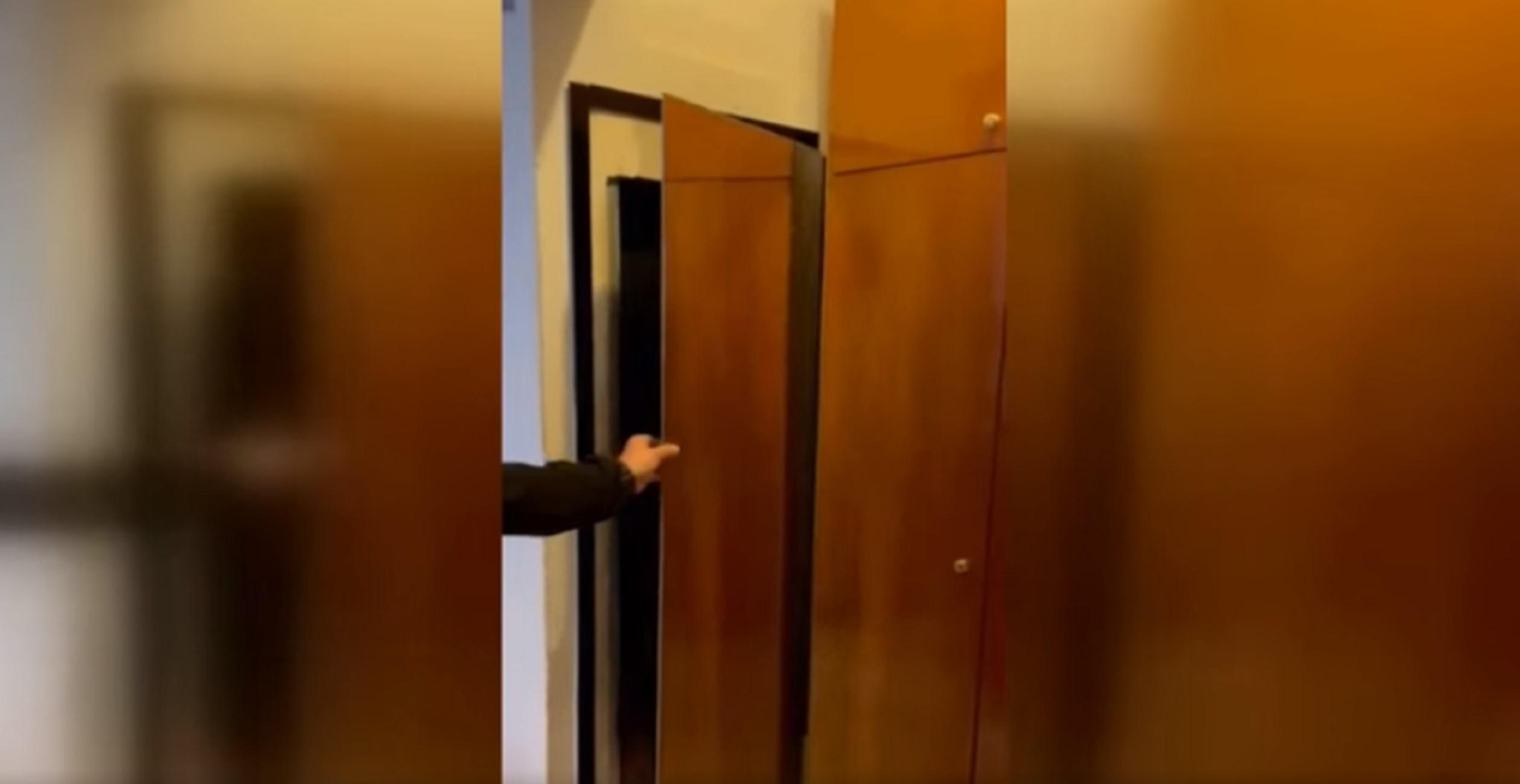 Θεσσαλονίκη: Ο καθρέφτης στο σπίτι δεν βρισκόταν τυχαία σε αυτό το σημείο – Η στιγμή που οι πάντες μένουν άφωνοι (video)