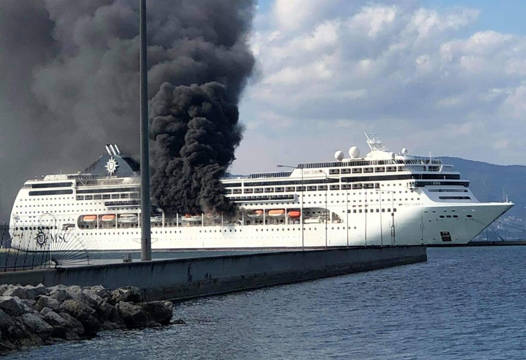 Κέρκυρα: Μεγάλη φωτιά σε κρουαζιερόπλοιο που βρίσκεται στο λιμάνι