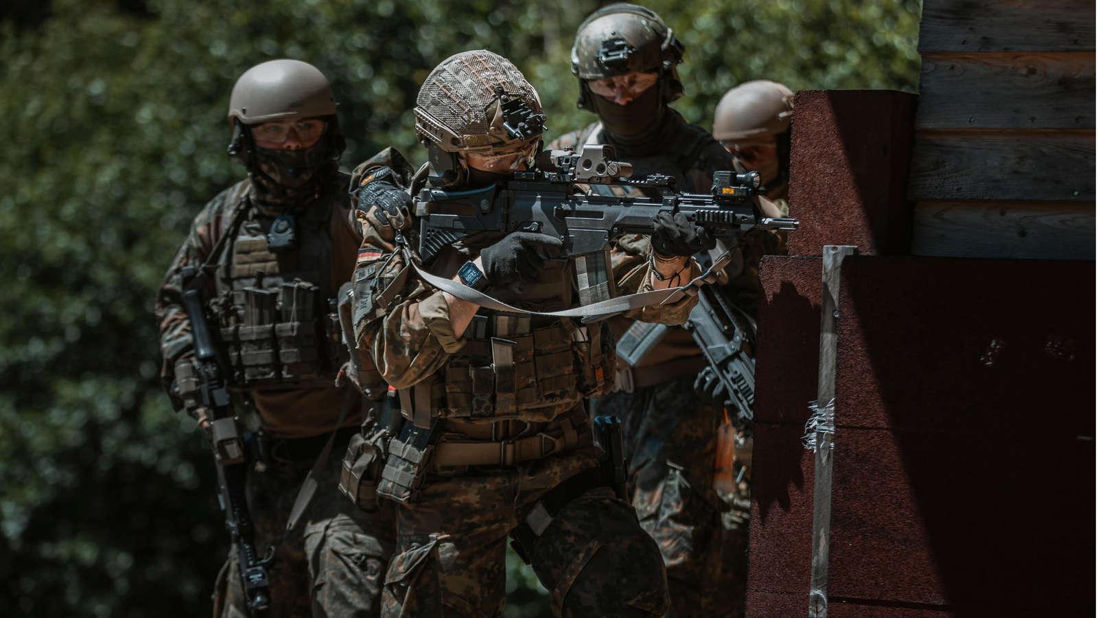 """Γερμανία: """"Συναγερμός"""" στις Ειδικές Δυνάμεις – Οι σχέσεις με την ακροδεξιά και η πιθανή διάλυση τους [pics]"""