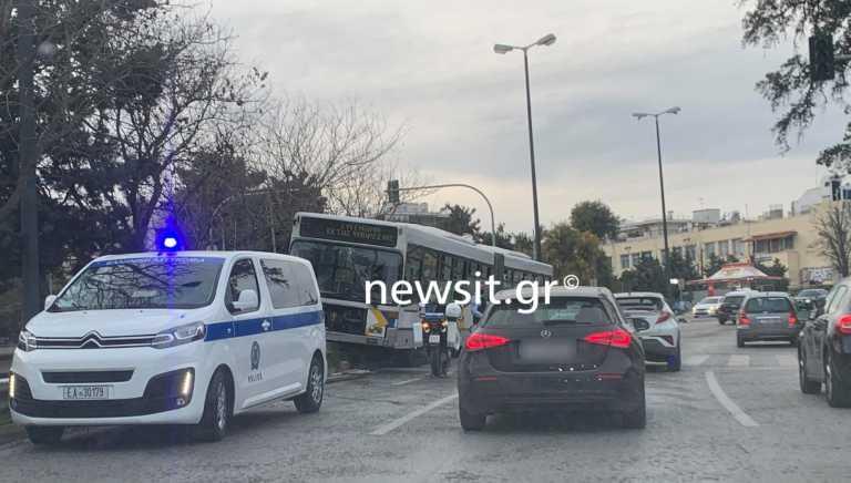 Χαμός στην Κηφισίας: Οδηγός λεωφορείου μπήκε στο αντίθετο ρεύμα (pics, video)