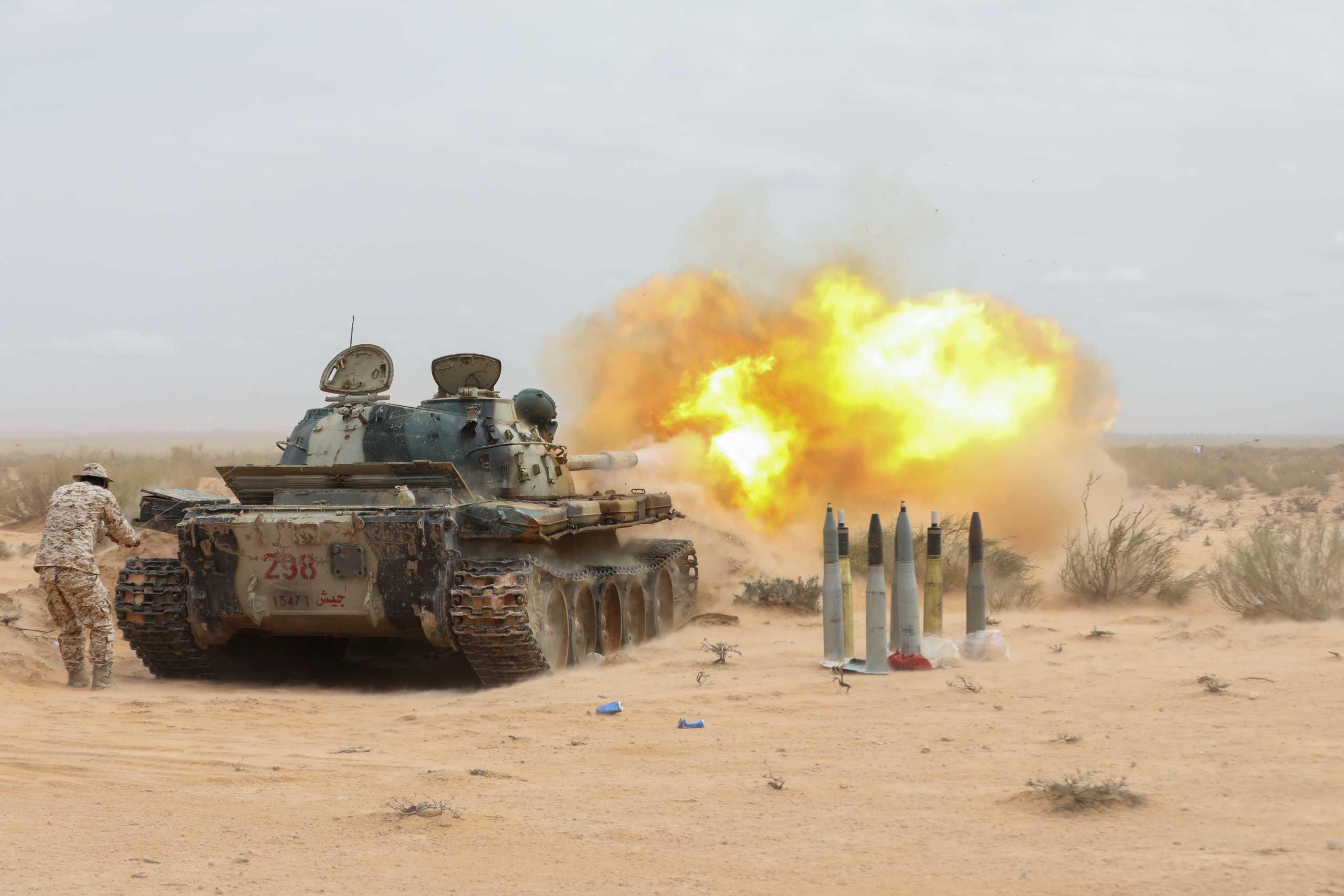 Επικοινωνία Μακρόν – Αλ Σίσι για Λιβύη: Συζήτησαν την ανάγκη αποχώρησης των ξένων στρατευμάτων