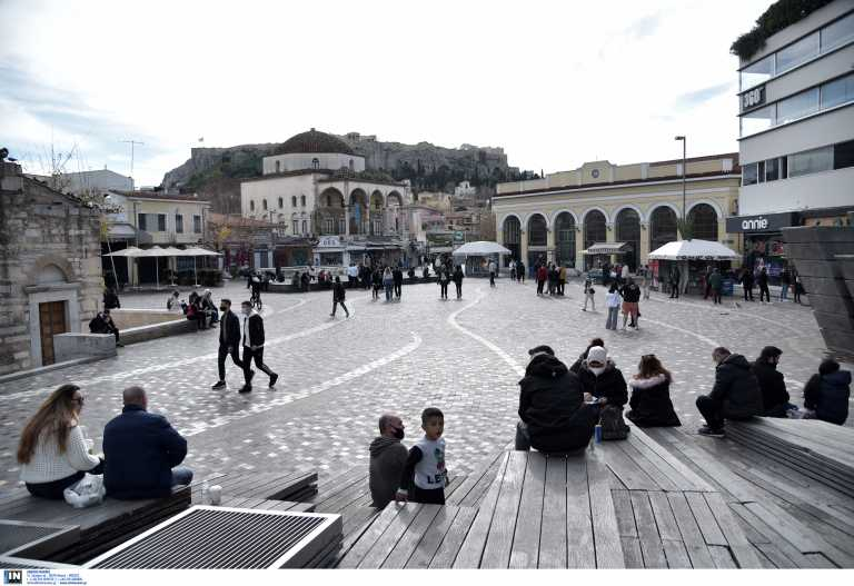 Κορονοϊός: Γιατί προσβάλλονται περισσότερο οι νέοι – Αποκαλυπτικά τα στοιχεία του τελευταίου μήνα