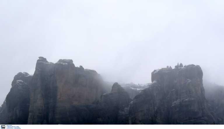 Σεισμός Ελασσόνα: Κλείνουν οι ναοί και τα μοναστήρια στα Μετέωρα