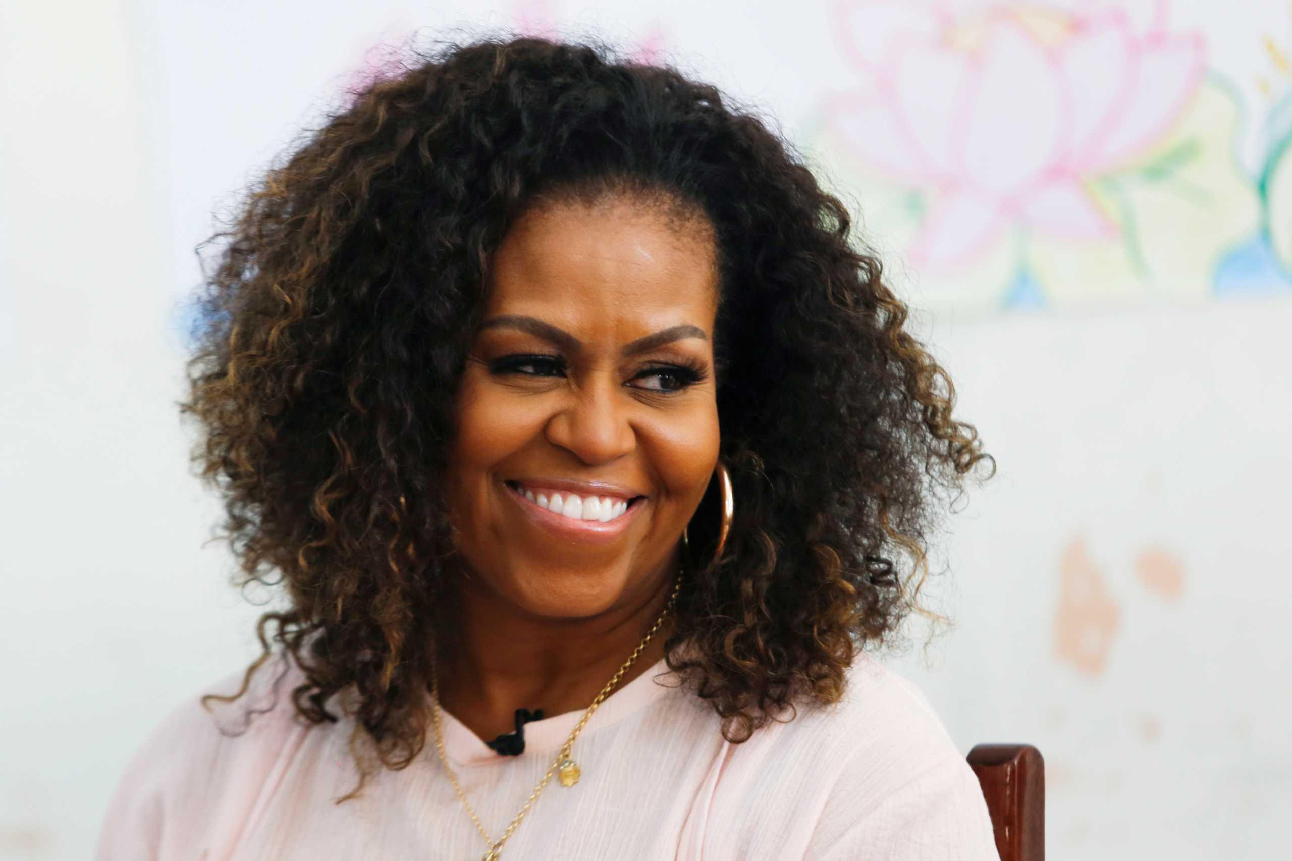 Η Μισέλ Ομπάμα αποκάλυψε πώς πέρασε την καραντίνα με την οικογένειά της (vid)