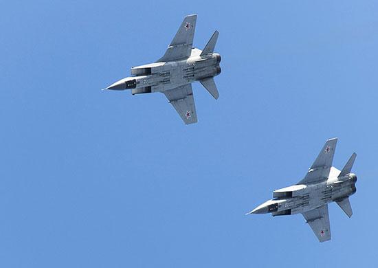 MiG-31: Τα πανίσχυρα μαχητικά του Πούτιν «έγραψαν ιστορία» στο Βόρειο Πόλο!