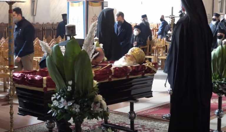 Κιλκίς: Τελευταίο αντίο στον μακαριστό μητροπολίτη Εμμανουήλ – Οι εικόνες που προκάλεσαν συγκίνηση (video)