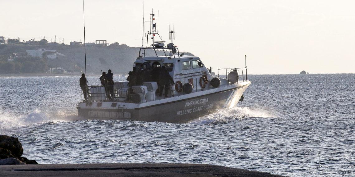 Νάξος: Τουριστικό σκάφος με 34 επιβάτες προσάραξε σε βράχια