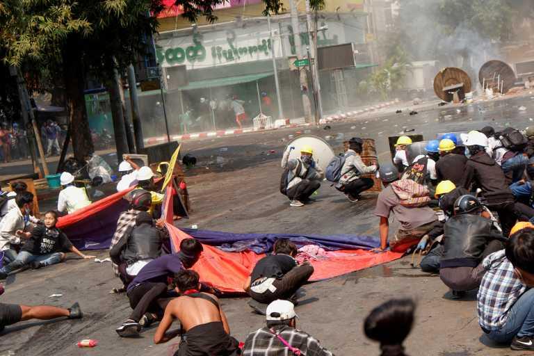 Μιανμάρ: 38 νεκροί στην πιο αιματηρή μέρα μετά το πραξικόπημα