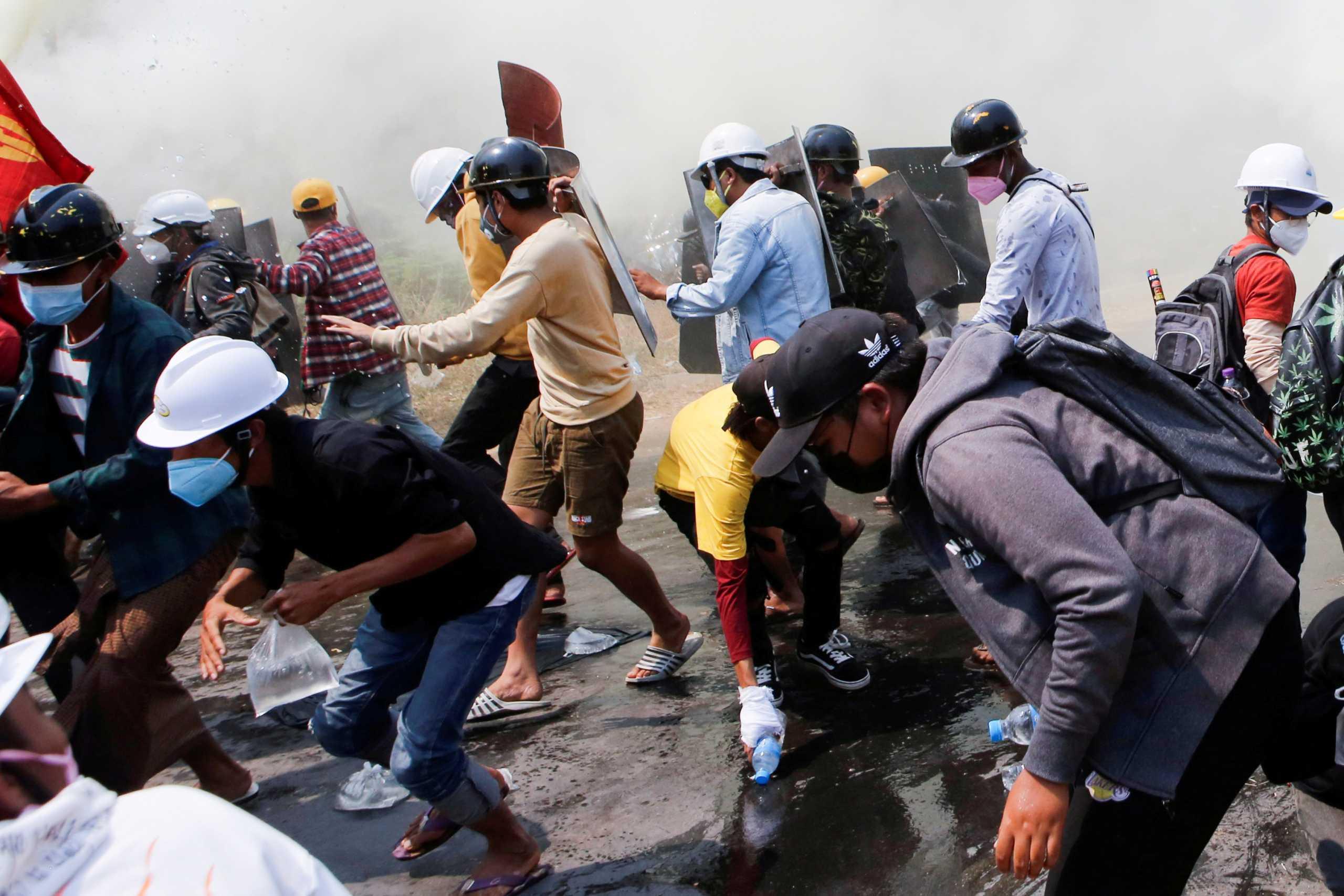 Πραξικόπημα Μιανμάρ: Εκτελέσεις διαδηλωτών καταγγέλλει η Διεθνής Αμνηστία – 55 βίντεο αποδεικνύουν «θανατηφόρα βία»