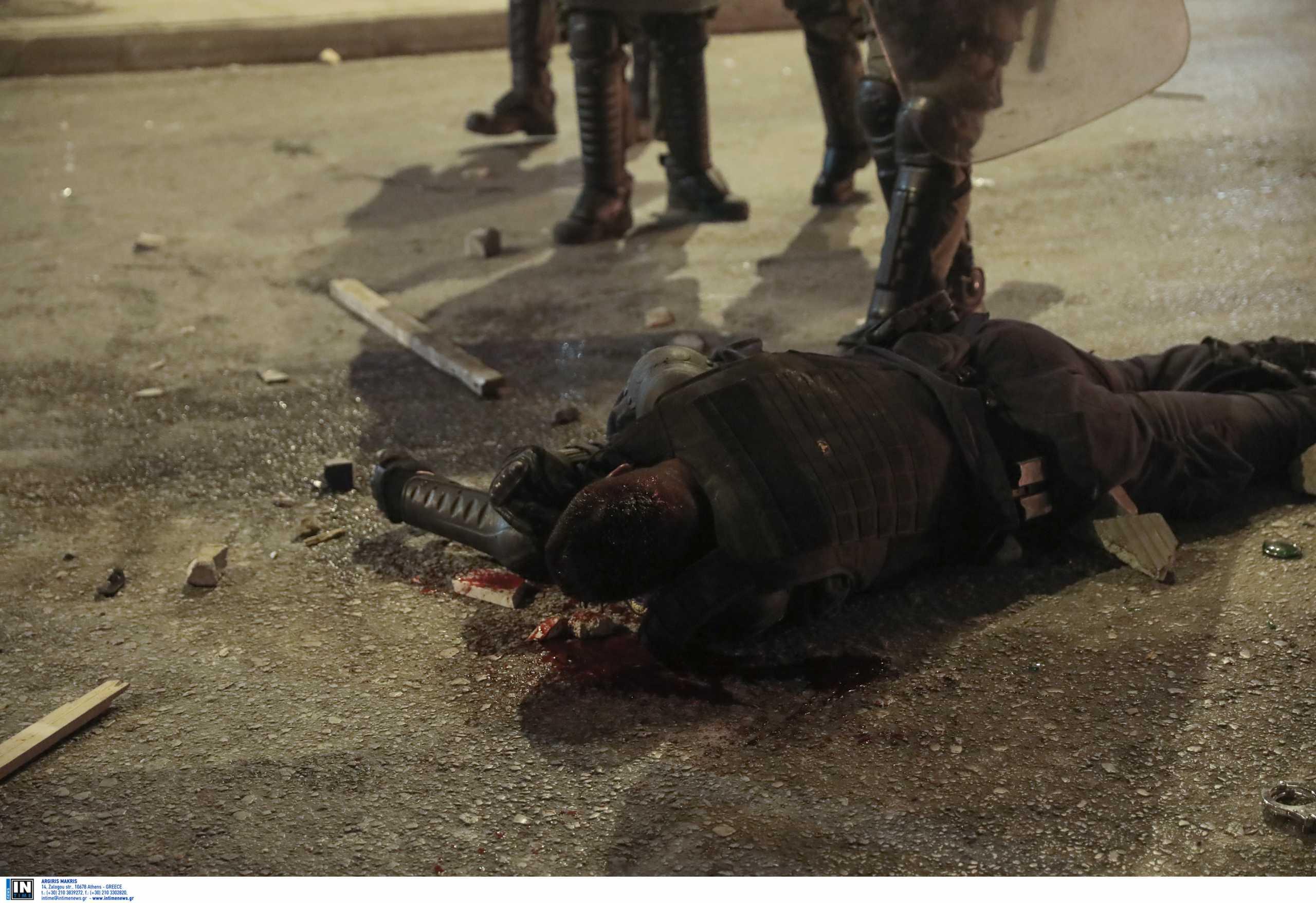 Νέα Σμύρνη: «Μου έλεγαν εδώ θα πεθάνεις» – Ο αστυνομικός περιγράφει την επίθεση