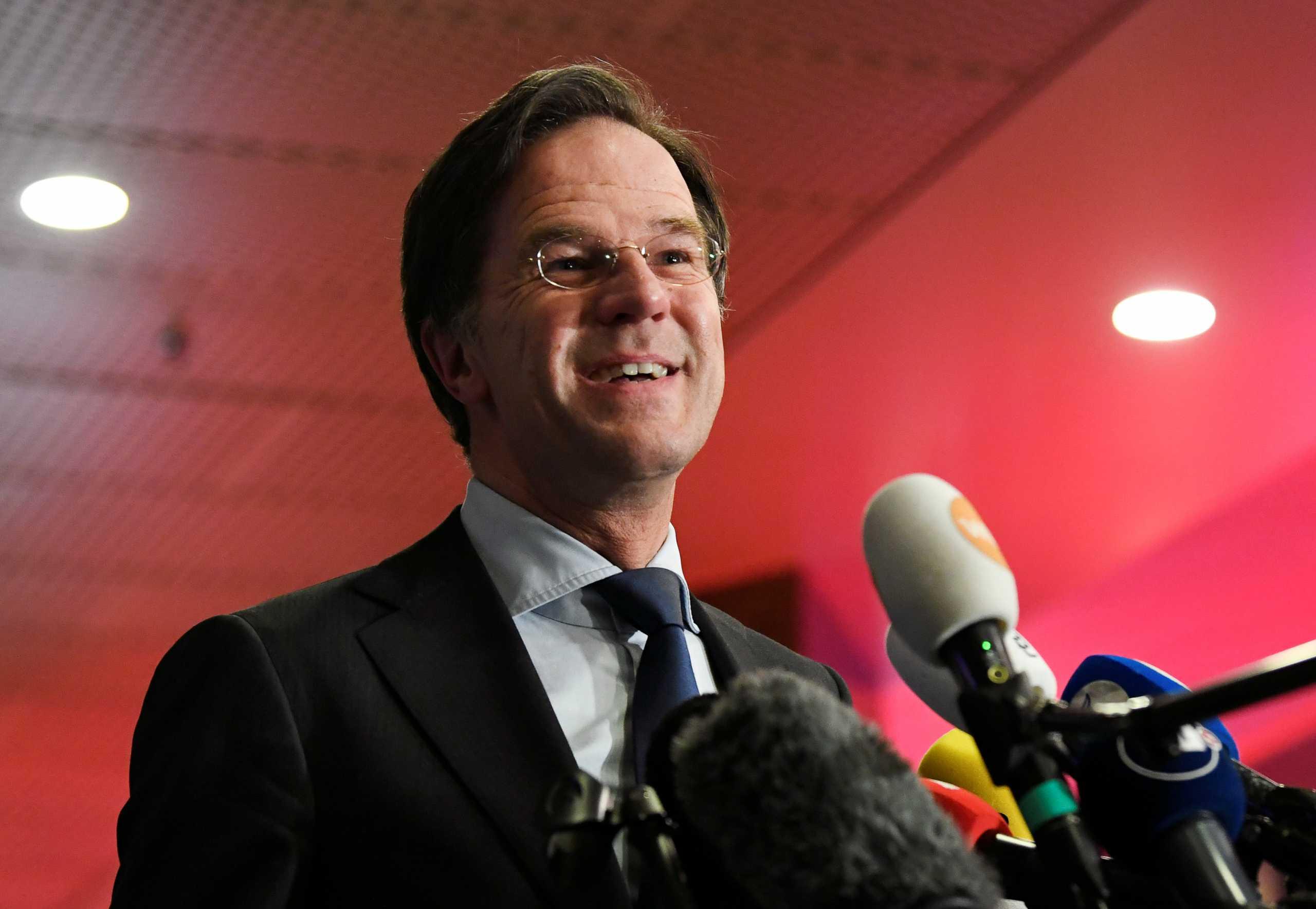 Ολλανδία: Όλα δείχνουν νέα νίκη του Μαρκ Ρούτε (pics)