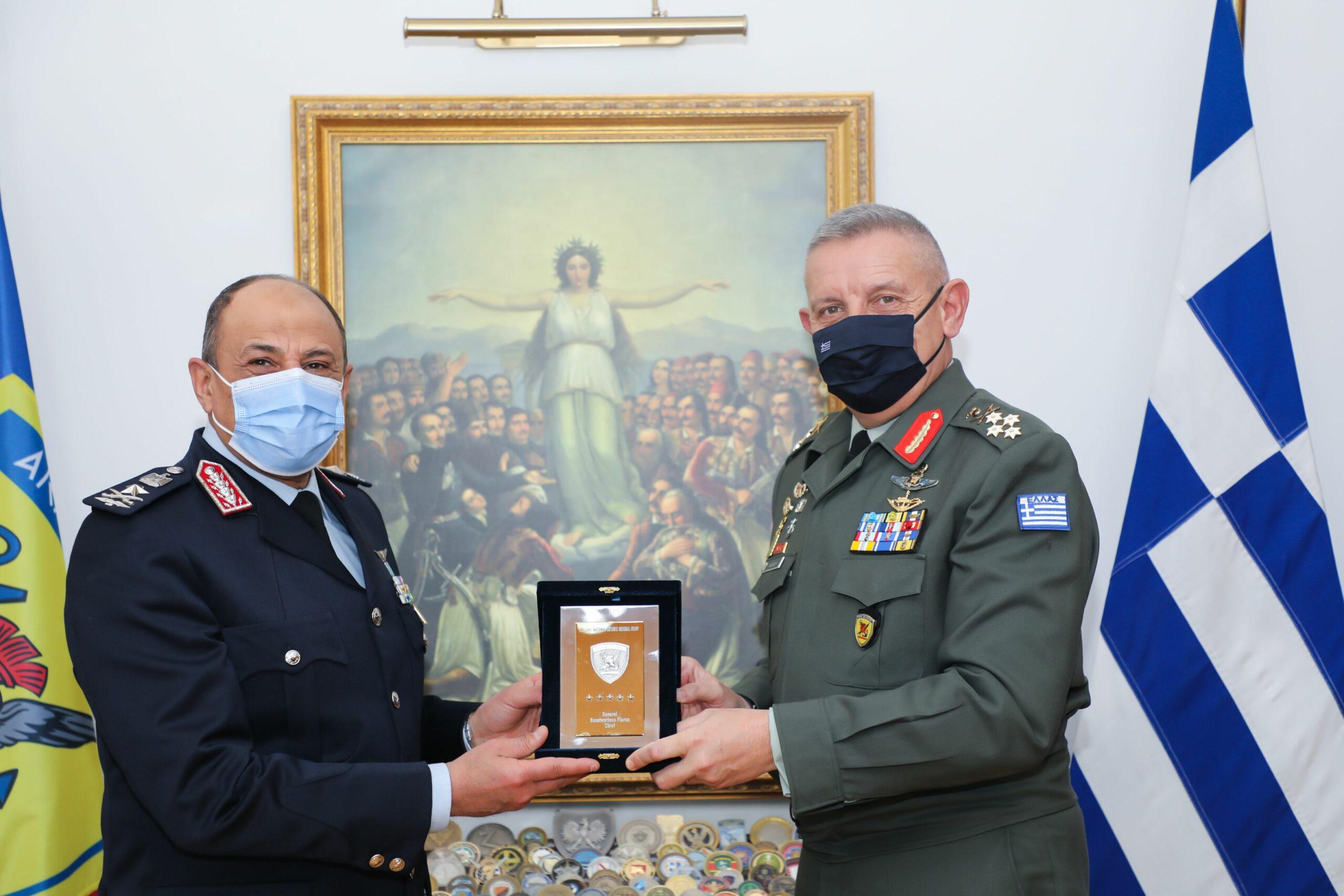 Τετ-α-τετ Α/ΓΕΕΘΑ Στρατηγού Φλώρου με τον Αρχηγό Αεροπορίας της Αιγύπτου [pics]