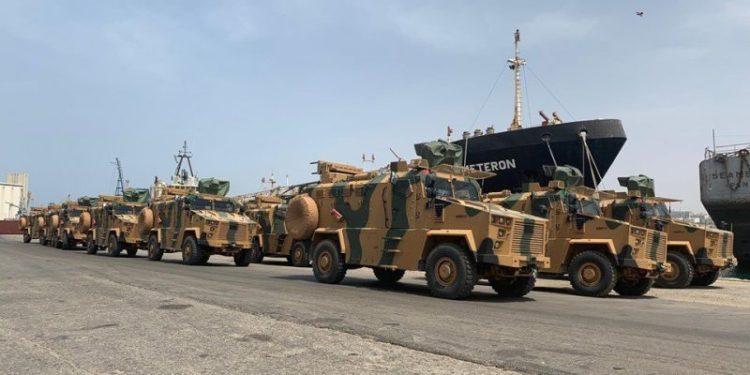 Τουρκία: Απίστευτο βίντεο με ανατροπή τεθωρακισμένου οχήματος του Στρατού [vid]