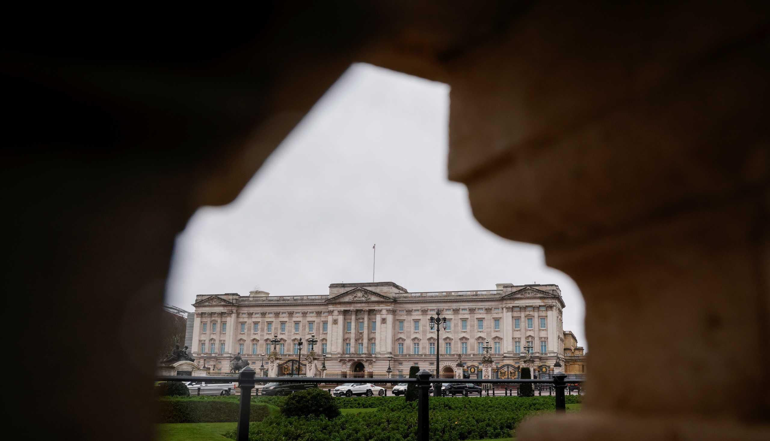 Δραστικά μέτρα από την Βασίλισσα Ελισάβετ: Η διαταγή και ο κλάδος ελαίας
