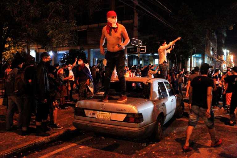 Παραγουάη: Διαδηλώσεις, συγκρούσεις και παραιτήσεις υπουργών για τη διαχείριση της πανδημίας (pics)