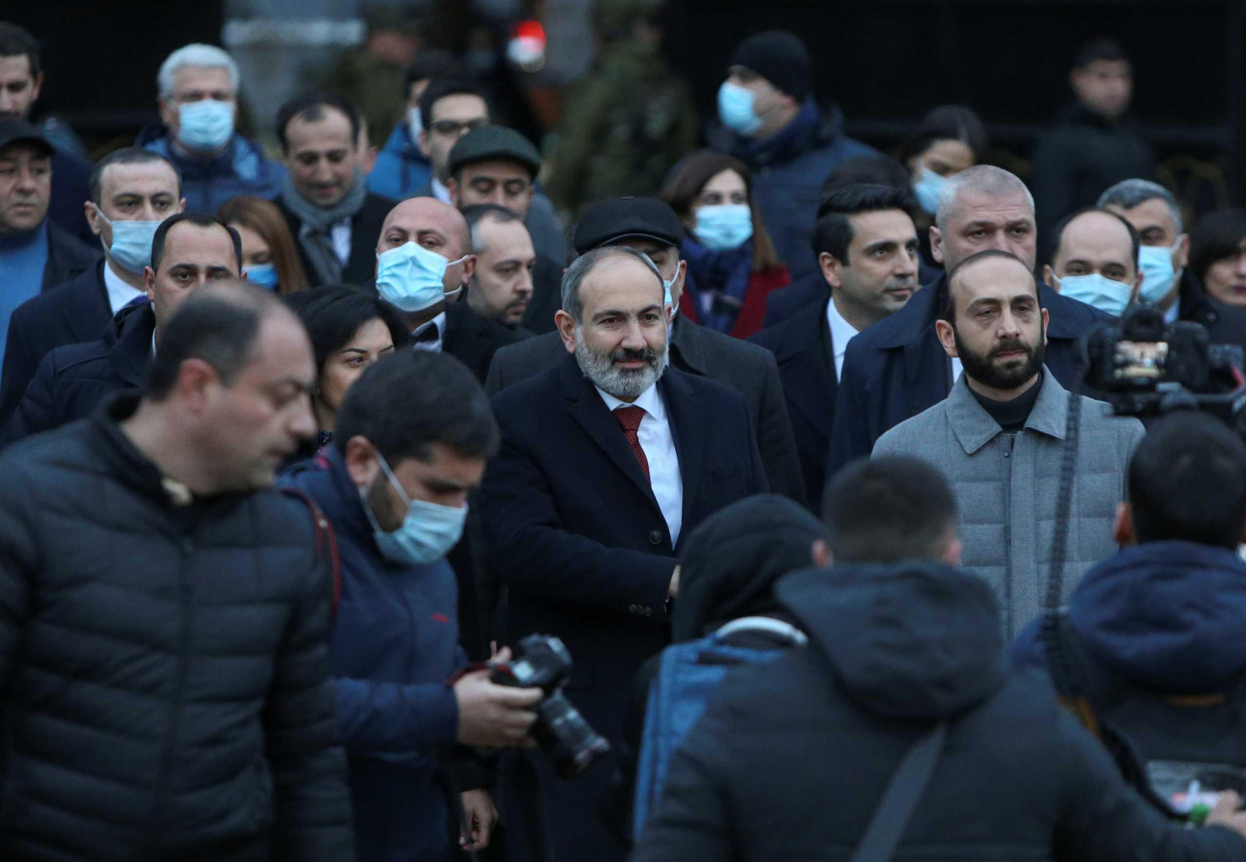 Αρμενία: Ο στρατός ζητά την παραίτηση του Πασινιάν