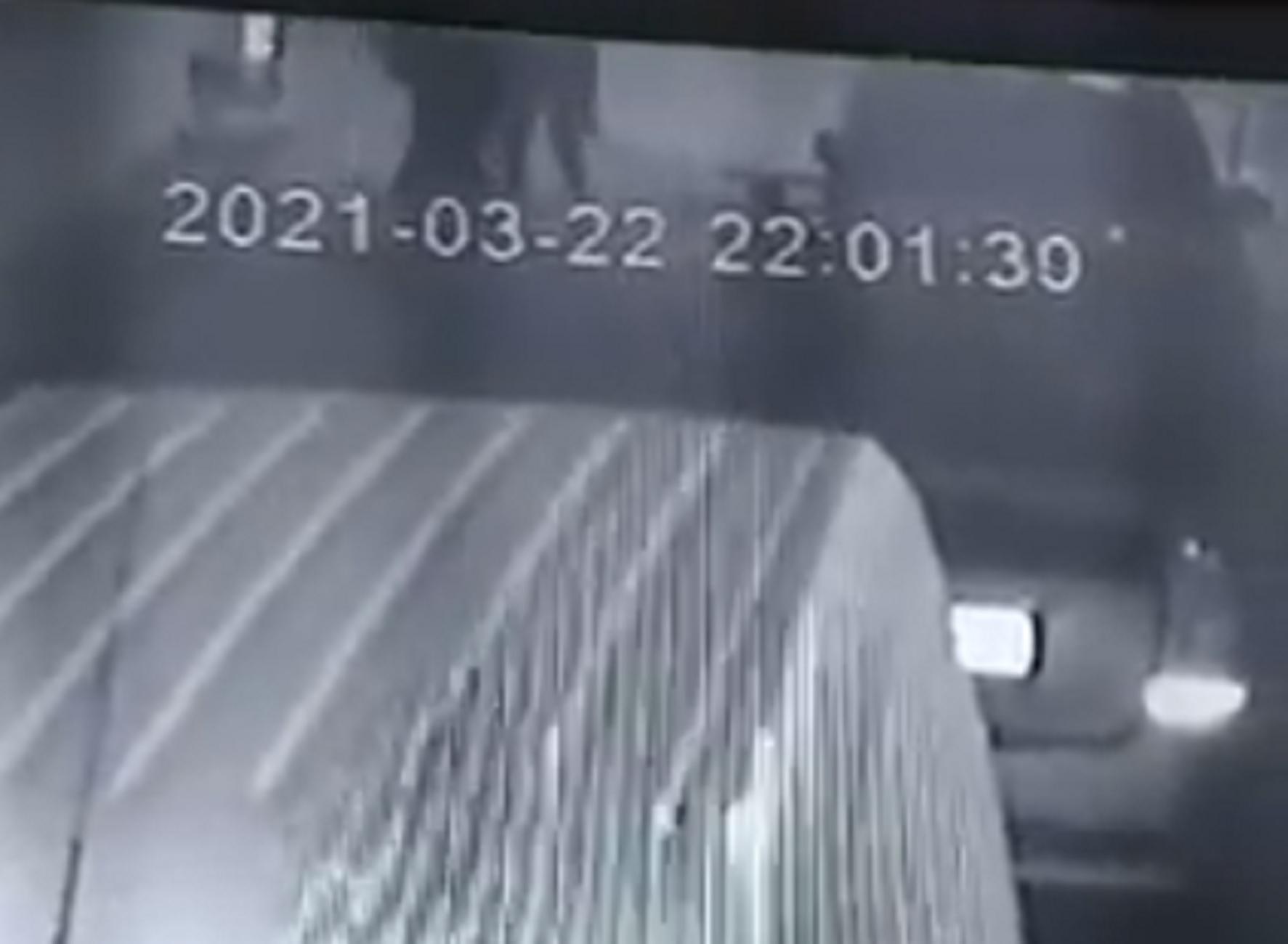 Πάτρα: Βίντεο ντοκουμέντο με την απόπειρα διάρρηξης αυτοκινήτου – Δείτε τις κινήσεις των δραστών