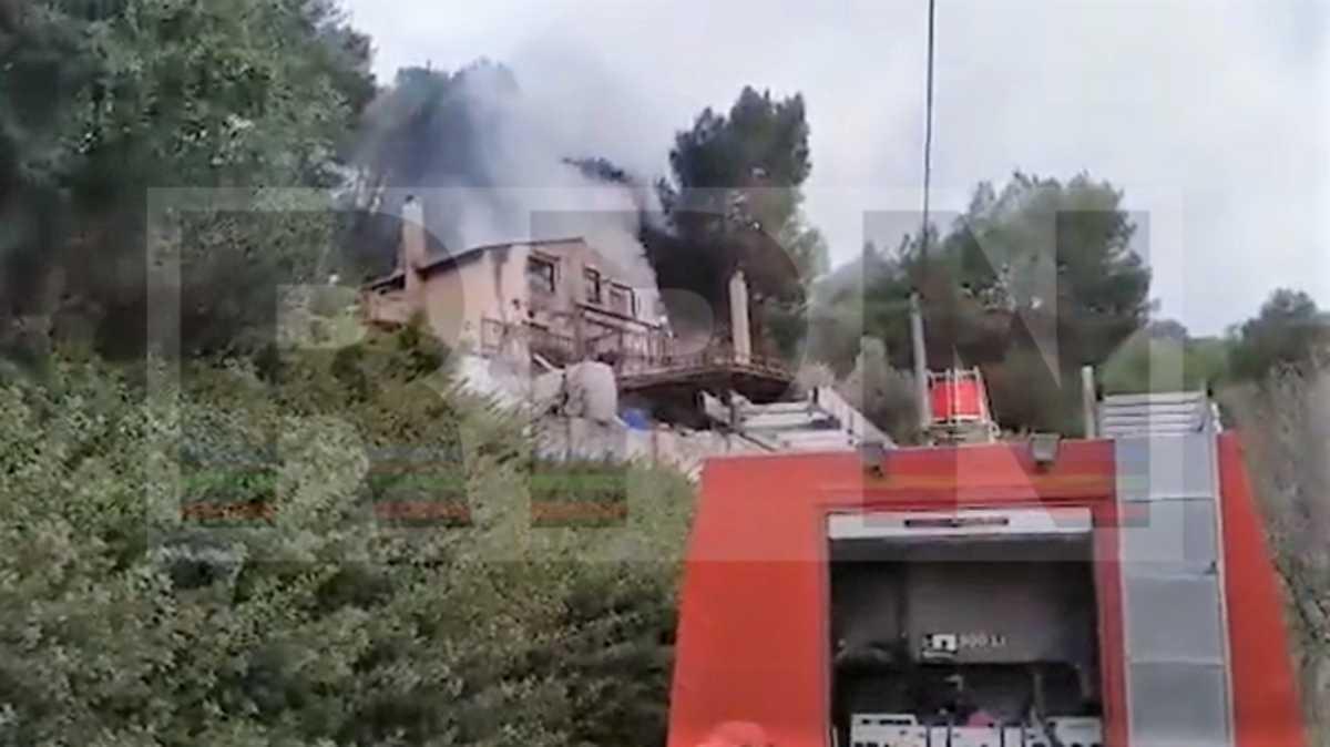 Φωτιά στα σύνορα Αρτέμιδας με Ραφήνα (video)