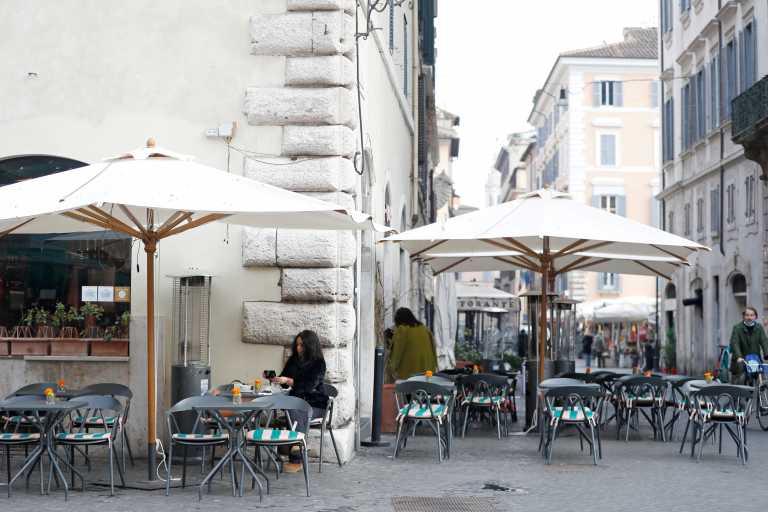 «Πνίγουν» την Ιταλία οι μεταλλάξεις που αποτελούν το 70% των μολύνσεων