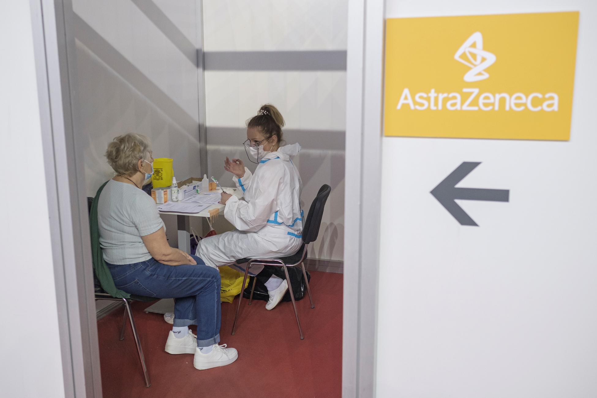 Βόρεια Μακεδονία: Στο 33,5% ο δείκτης θετικότητας – Πάνε στη Σερβία για να εμβολιαστούν