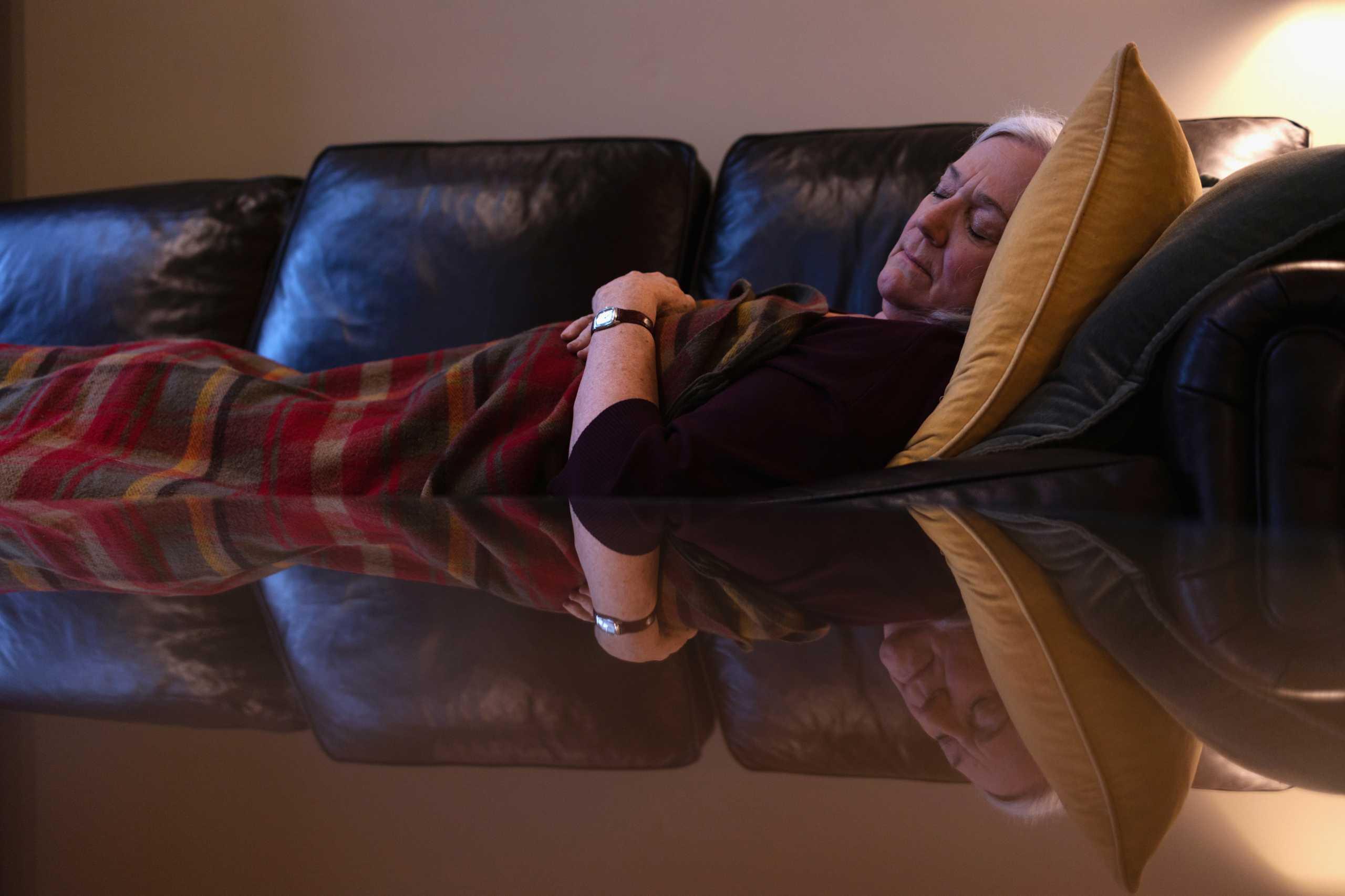 Κορονοϊός – Έρευνα: Αϋπνία και υπερκόπωση αυξάνουν τον κίνδυνο σοβαρής νόσησης