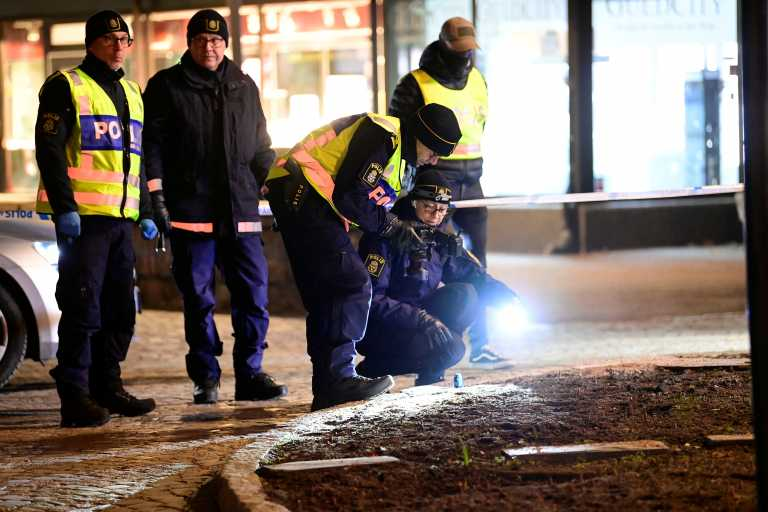 Σουηδία: Καταδικάζει την επίθεση με μαχαίρι στην Βετλάντα ο πρωθυπουργός Λεβέν