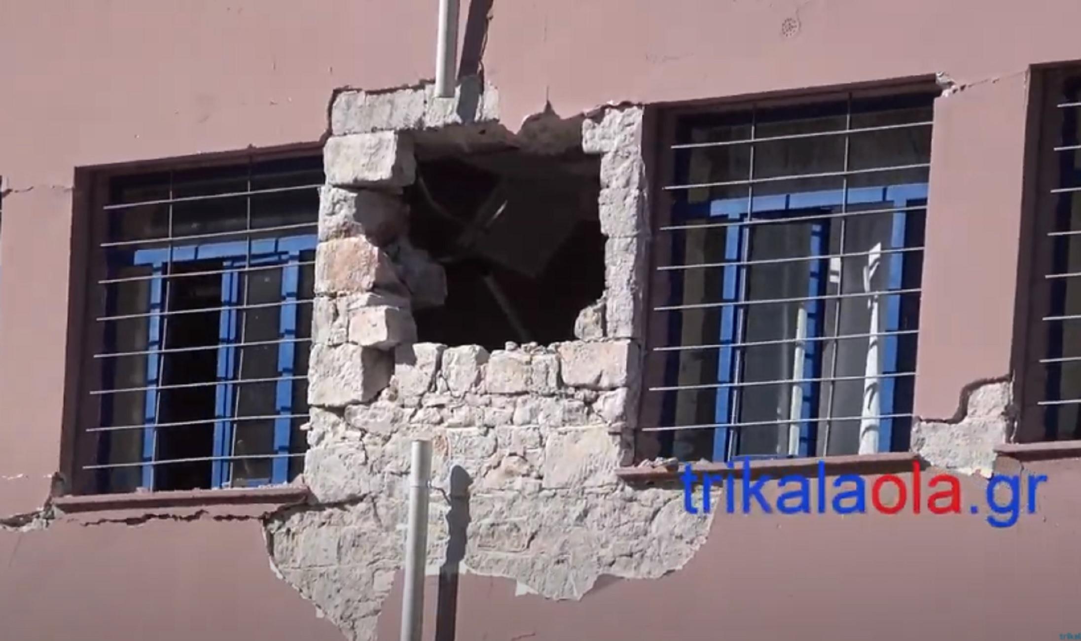 Σεισμός στην Ελασσόνα: Ο διευθυντής του σχολείου στο Δαμάσι «ξαναζεί» τη δόνηση και τον πανικό των μαθητών του (video)
