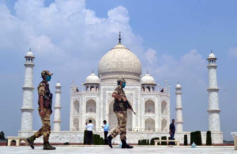 Συναγερμός λόγω φάρσας στο Ταζ Μαχάλ! Εκκενώθηκε μετά την απειλή για βόμβα